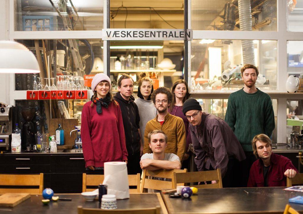Torg spiller på by:Larm. Torg er Ina Sagstuen (vokal), Johan Lindvall (synther, piano), Christian Skår Winther (elgitar), Torstein Lavik Larsen (trompet, synth), Adrian Fiskum Myhr (elbass), Magnus Skavhaug Nergaard (elbass, elektronikk), Anja Lauvdal (synther), Jan Martin Gismervik (trommer) og Heiða Karine Jóhannesdóttir Mobeck (tuba, elektronikk). Foto: Jenny Berger Myhre