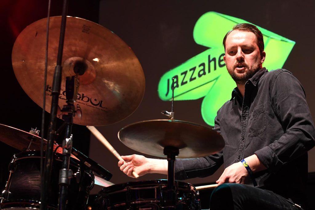 Gard Nilssen spilte med sin Acoustic Unity under Jazzahead 2019. Foto: Carmen Jaspersen