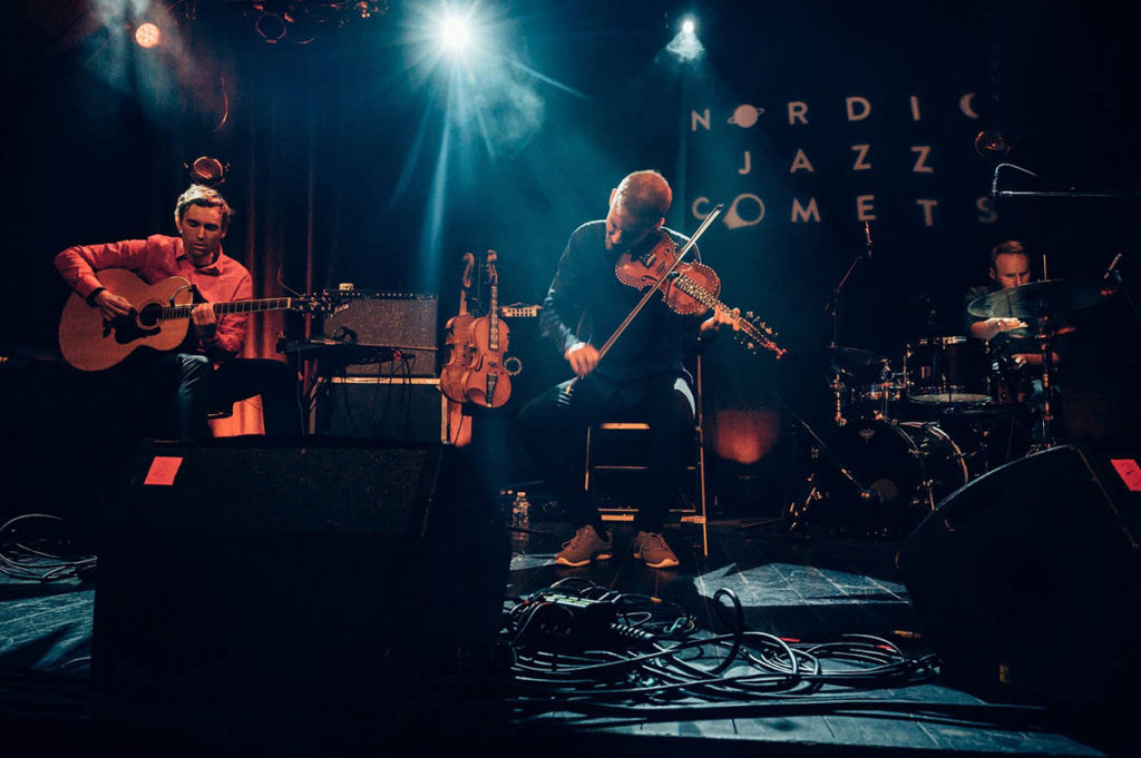 Erlend Apneseth Trio under Nordic Jazz Comets i Paris i desember 2019. Foto: Olivier Off - Photography