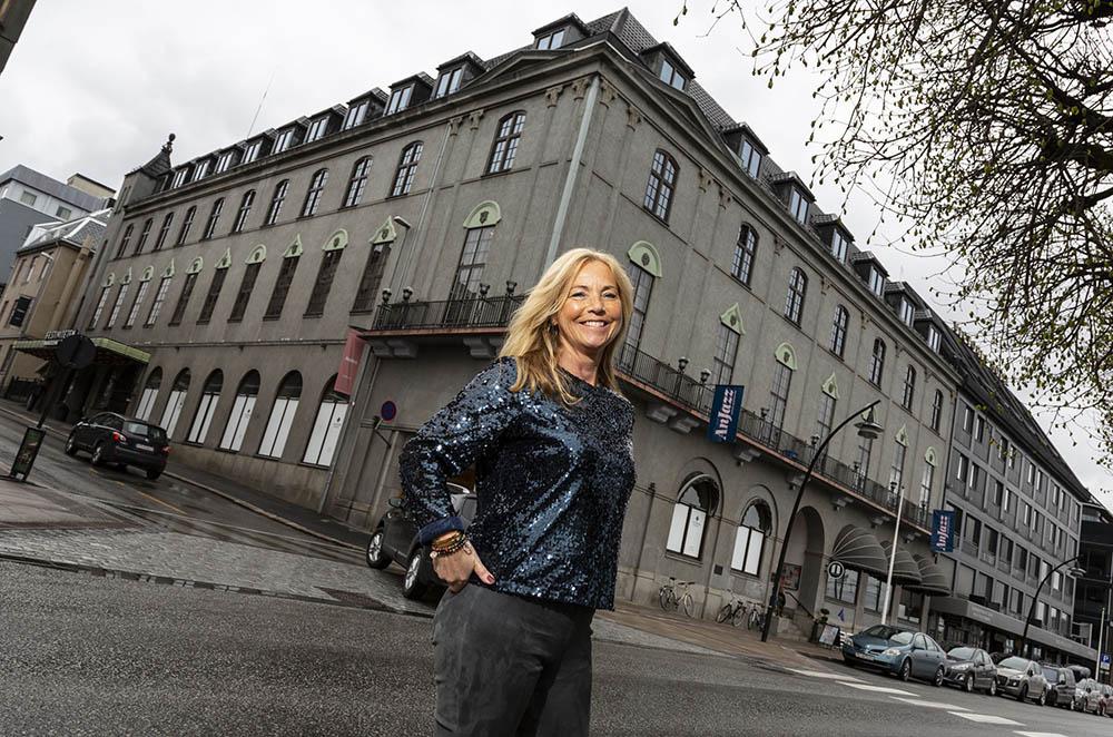 Daglig leder Anja Katrine Tomter, her fra forrige festival i 2019, ønsker tirsdag velkommen til Anjazz på Hamar med helnorsk program. De utenlandske artistene er flyttet til