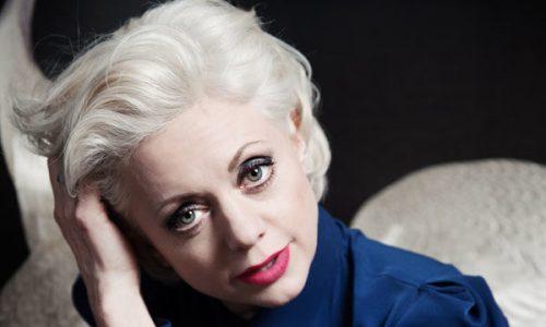 Hilde Louise Asbjørnsen skal ut i verden med ny musikk